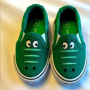Cat and jack gator shoes